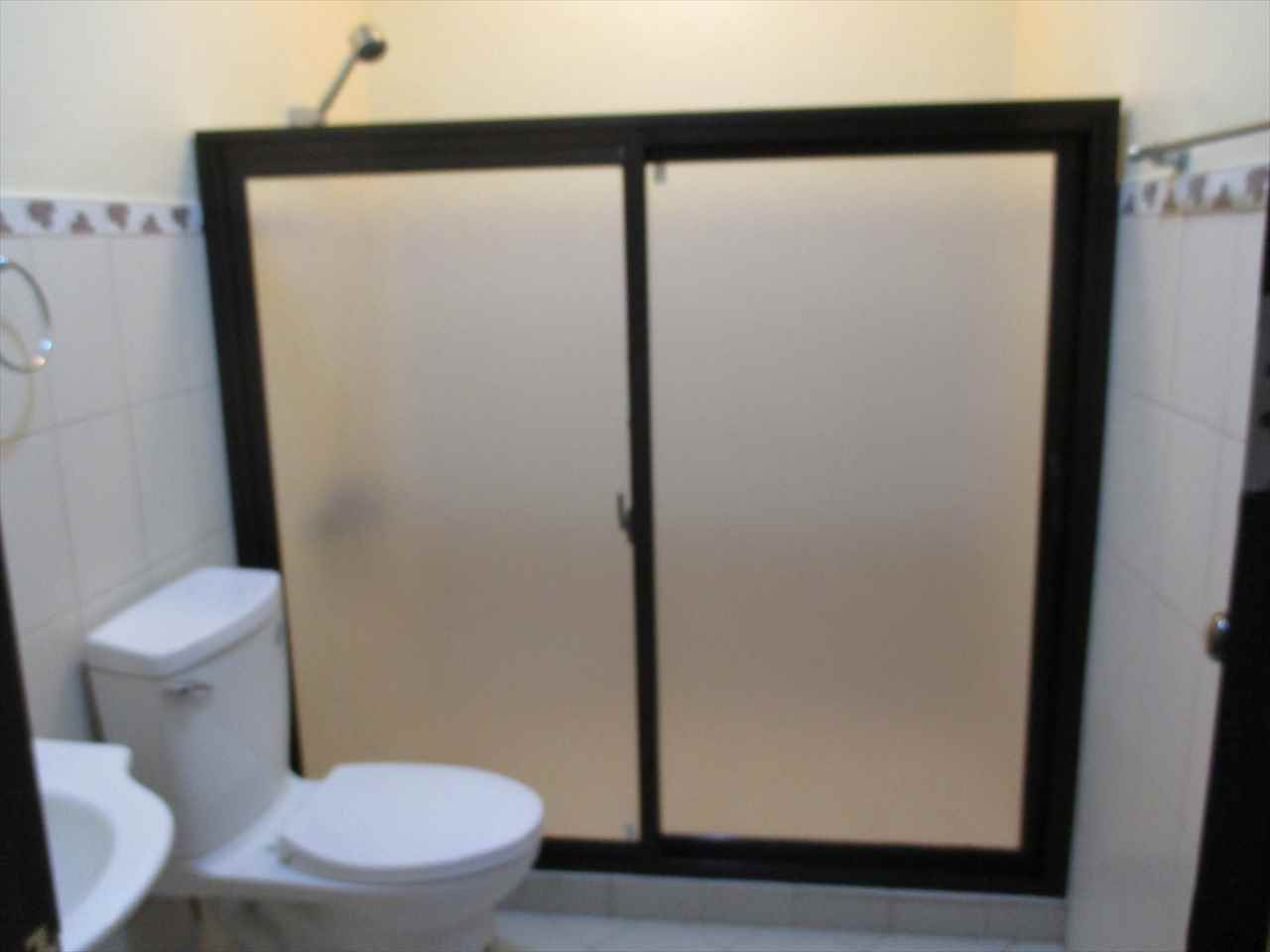 Sliding door of shower room