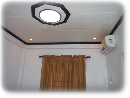 Split type Air-con, Center light and Variable light